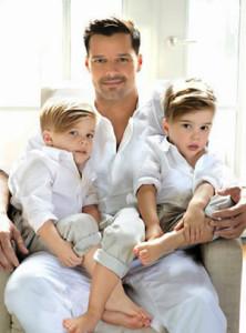 5 знаменитых геев, ставших родителями